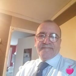 Photo de Jonas, Homme 61 ans, de Paris Île-de-France