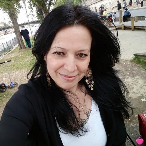 Photo de Elza, Femme 46 ans, de Levallois-Perret Île-de-France